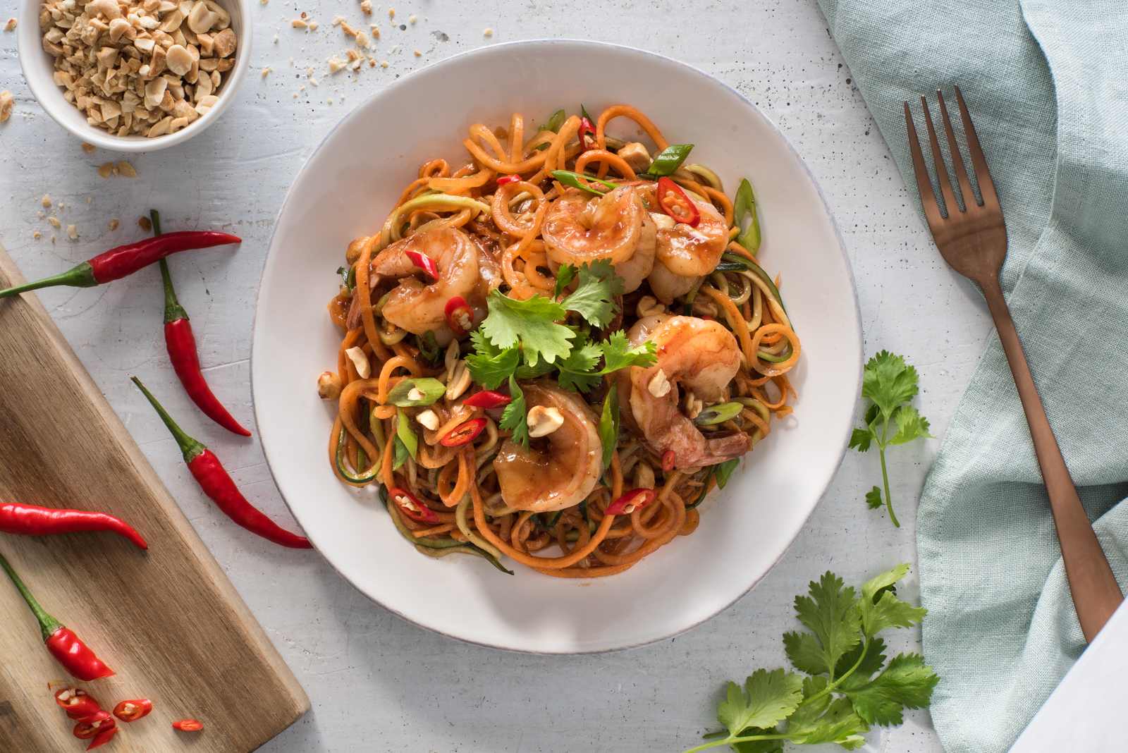 Made with spiralized zucchini and carrots, this low-carb pad Thai delivers big flavours.
